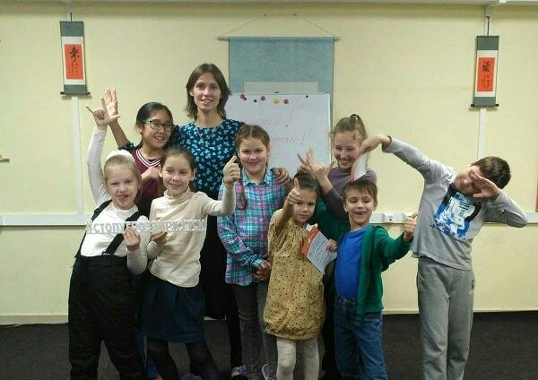 «Главное в нашей работе – видеть, как дети избавляются от опасных стереотипов». Ирина Смолина о работе над проектом школы безопасности в Иркутске.