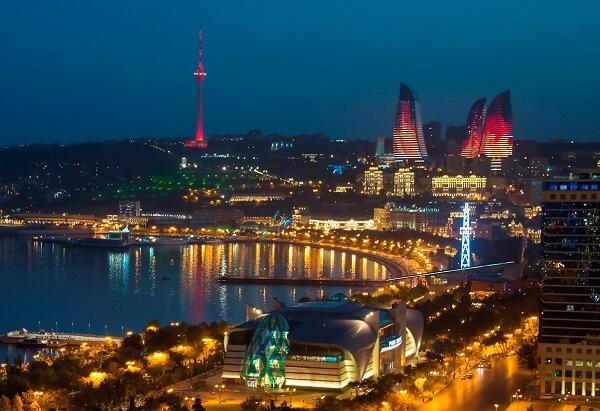 Приветствуем солнечный Баку!
